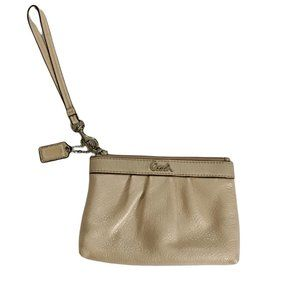 Coach Leather Wristlet Pouch Cream Leather Zip Clutch Small